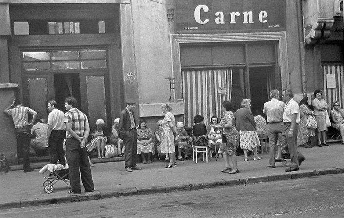 Queuing for meat, Bucharest, 1982